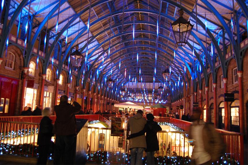 Gotas de luz en el techo