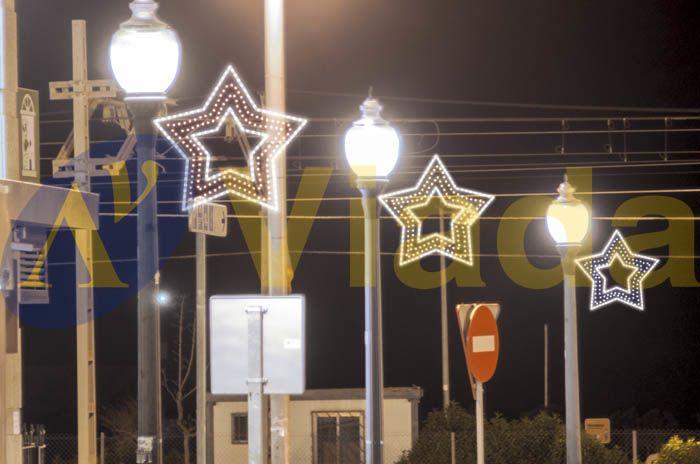 Luces de navidad para exteriores for Luces para pared exterior